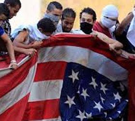 Американское консульство в Ливии было подожжено протестующими