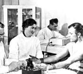 Роскосмосом были выбраны восемь космонавтов
