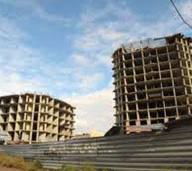 С крыши заброшенного дома в Саратовской области прыгнула школьница