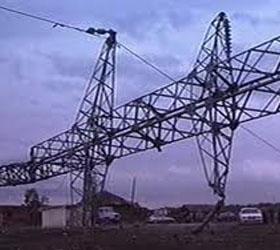 Без электричества остались примерно тринадцать тысяч жителей Санкт-Петербурга
