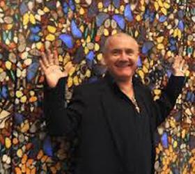 Больше девяти тысяч бабочек погубил известный художник