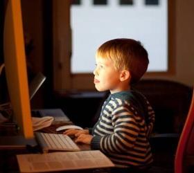 Роскомнадзор запретит детям пользоваться публичными Wi-Fi-сетями