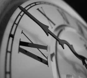 Госдума обсуждает закон о переходе на зимнее время в нынешнем году