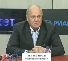 Владимир Меньшов попал в аварию в центре столицы