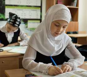Глава Ставропольского края планирует запретить хидшабы на школьницах