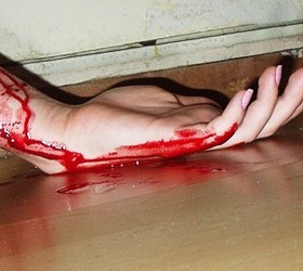 В Новочеркасске мужчина убил беременную соседку