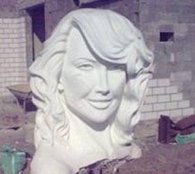 Шестиметровую статую Жанны Фриске установят в Казахстане