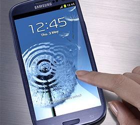 Galaxy S III лишил звания самого популярного смартфона в мире iPhone