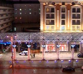 В Москве из окна гостиницы выпала девушка