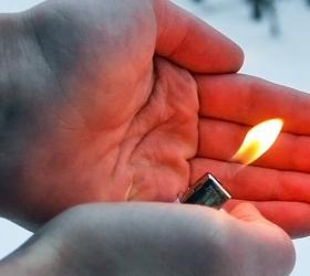 Подростки продолжают погибать, надышавшись газом из зажигалок
