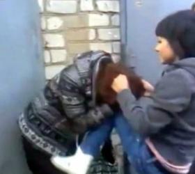 Школьниц из Владивостока, которые выложили ролик с избиением своей сверстницы в соцсеть, хотят отправить в спецшколу