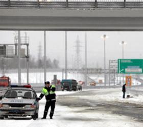 В Санкт-Петербурге на Кольцевой дороге столкнулись тридцать автомобилей
