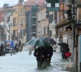 Под воду на семьдесят процентов погрузилась Венеция