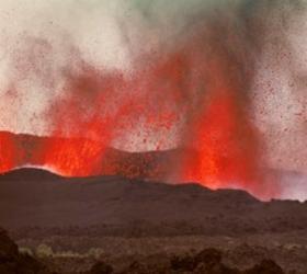 Туристическую базу и лагерь ученых уничтожил вулкан на Камчатке