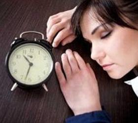 Шизофрении способствует недосып