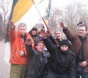 В столице произошла крупная драка националистов и антифашистов