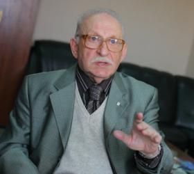 В столице умер Теодор Гладков