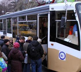 В столичном трамвае безбилетники устроили поножовщину