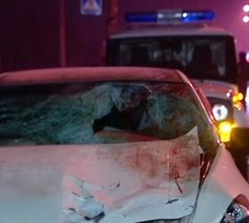 В Москве иномарка сбила двух пешеходов