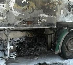 На МКАД-е воспламенился автобус с детьми