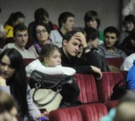 Студенты РГТЭУ отказались впускать в университет нового ректора