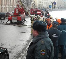 В Улан-Удэ пожарными была спасена девочка, запертая на балконе