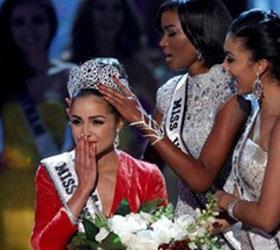 """Американка удостоилась звания """"Мисс Вселенная-2012"""""""