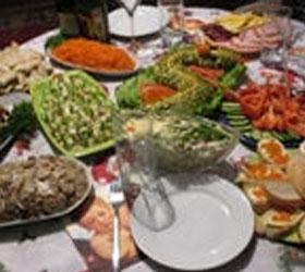Диетологами названы пять наиболее полезных блюд на новогоднем столе