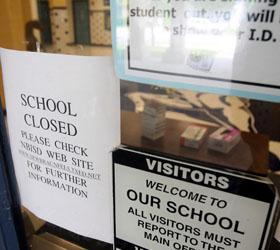 В ожидании конца света в Мичигане были закрыты десятки школ