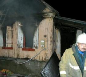 В результате пожара в Волгоградской области погибли 5 человек, среди них 3 детей