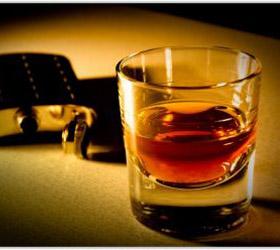 Английские ученые выяснили, что алкоголь как снотворное не принесет пользы