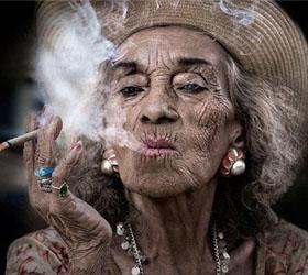 Курящие женщины сокращают себе жизнь на 11 лет