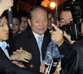 На два года за взяточничество осужден брат президента Южной Кореи