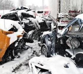 Снегопад в Канаде привел к аварии с участием шестидесяти автомобилей