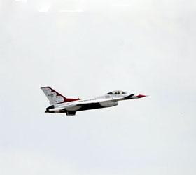 У берегов Италии пропал американский истребитель F-16