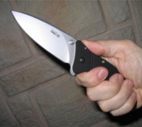 В столице, не желая платить, пассажир ранил ножом водителя автобуса