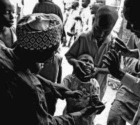 В Нигерии исламистами убиты несколько женщин, которые ставили прививки от полиомелита