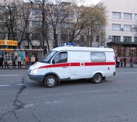 В столице иномарка, вылетевшая на тротуар, сбила женщину с детьми