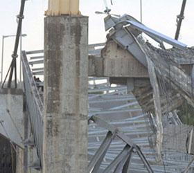 На Кубани обрушился один пролет железнодорожного моста