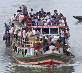 В Бангладеш перевернулся пассажирский паром