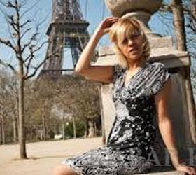 Парижанкам разрешили официально носить брюки