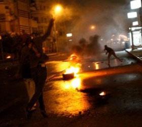 В Каире демонстранты атакуют президентский дворец