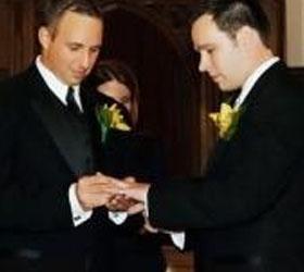 Вслед за Францией однополые браки разрешает Великобритания