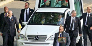 Отказ от лимузина папы Римского украинский патриарх «не понял».