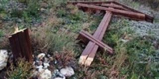 В Люблино спилили поклонный крест