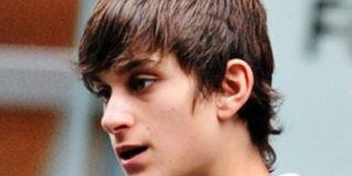 19-летний Абрамович покупает кусок Сибири