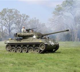 В личной собственности американцев насчитывается близко тысячи танков