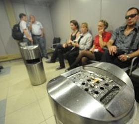 В Шереметьево курилки заменят детскими комнатами