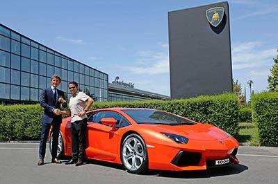 Полиция Дубаи будет ездить на Lamborghini