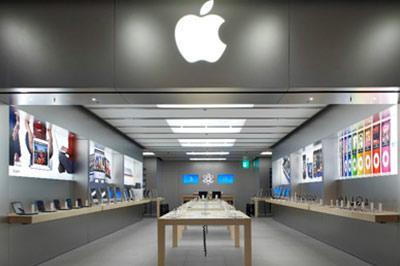 Apple открывает официальный магазин в России